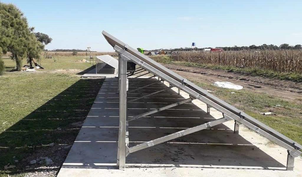 Viejas quimeras que se hacen realidad: Usando la energía del sol se puede extraer agua de hasta 400 metros de profundidad