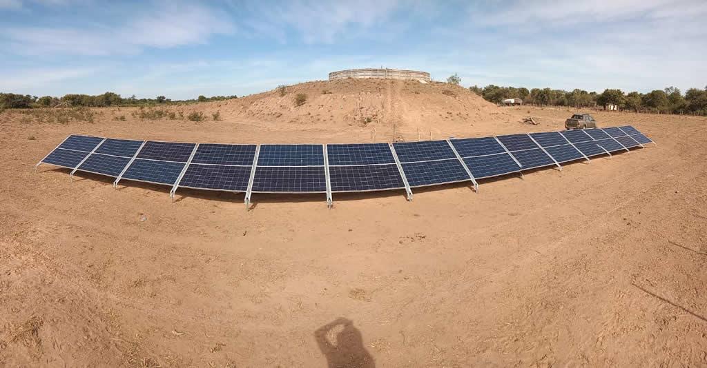 Nueva obra de bombeo solar para provisión de agua en ganadería
